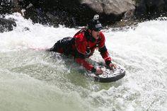 Bermain arung jeram dengan perahu dalam satu grup mungkin sudah terdengar biasa. Tapi bagaimana kalau Bro semua harus bermain arung jeram sendirian. Saat bermain, Bro hanya dibekali dengan sebuah pelampung sebagai pengarah tubuh. Pasti sangat memacu adrenalin, bukan? Adrenalin akan semakin terpacu jika arus sungainya deras. Olahraga ekstrem yang satu ini dinamakan dengan olahraga riverboarding. …