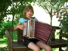Mes Images: Accordéon - Sophia, 11 ans : Auf der Autobahn !