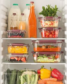 Gorgeous glass food storage containers via -- I love this set up for plant-centric refrigerator organization inspiration! Food Storage Containers, Jar Storage, Refrigerator Organization, Batch Cooking, Food Waste, Safe Food, Lunch, Fresh, Glass