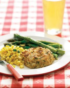 Summer menu with maryland crab cakes, corn and scallion salad, garlicky roasted asparagus and fresh cherry tart. Shellfish Recipes, Crab Recipes, Supper Recipes, Recipies, Maryland Crab Cakes, Seafood Dishes, Fish And Seafood, Crab Dishes, Ceviche