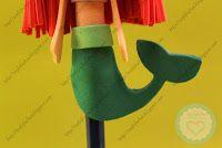 FofuLápiz de la princesa de Disney la Sirenita. Con su larga melena pelirroja y su verde cola de sirena, realizado en goma EVA y pintado a mano.Todos mis FofuLápices están registrados y está prohibida su copia.  http://topfofuchas.blogspot.com.es/2013/12/fofulapiz-princesa-disney-la-sirenita.html