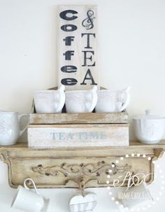 How to Make a Farmhouse Signs the Easy Way.Make your own art: Farmhouse Style DIY signs. DIY Farmhouse Kitchen and Coffee Bar Sign.Farmhouse Style Sign - Home Chic Club. Farmhouse Signs, Farmhouse Decor, Farmhouse Style, Modern Farmhouse, Diy Home Crafts, Wood Crafts, Decor Crafts, Coffee Bar Signs, Diy Wood Signs