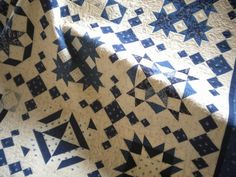 A Quilting Life - a quilt blog: Blue and White Quilt