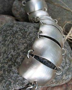 Täällä kiemurrellaan jo kohti kesää... Kuis siellä?  #hopeakäärme #kohtikesää #uniikkikoru #uniikki #rannekoru #koruseppä #silversnake #unique #bracelet #uniquejewelry #finnishdesign #jewelrydesigner #koruseppä #anuek #kerava Bracelets, Silver, Jewelry, Jewlery, Jewerly, Schmuck, Jewels, Jewelery, Bracelet