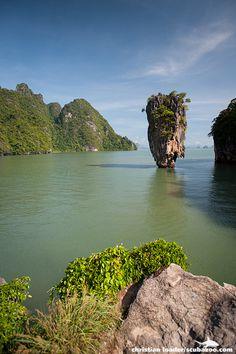 James Bond Island - Phang Nga Bay, Thailand | ©Christian Loader