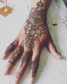 """""""Mi piace"""": 65, commenti: 4 - monique Herzig (@alchemyhenna) su Instagram: """"Happy Birthday! #celebratewithhenna #hennalove #presenttomyself #prettyandpowerful…"""""""