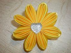 Красивый Цветочек Канзаши из Ленты 2.5 см. Резинка для волос. Flowers Kanzashi.Tutorial.