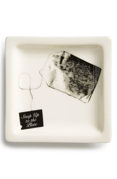 This adorable trinket tray is perfect for storing the tea bag between uses.