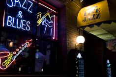 Andy's Jazz Club, East Hubbard in downtown Chicago. Just north of ...