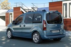 Citroen Berlingo Multispace Photos and Specs. Photo: Berlingo Multispace Citroen sale and 24 perfect photos of Citroen Berlingo Multispace Psa Peugeot Citroen, Citroen Car, Automobile, Car Images, Car Wallpapers, Perfect Photo, Van, Vehicles, Specs