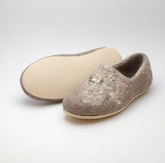 Felted wool clogs Wild with rubber soles  country style by Rasae