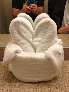 Hotel towel arrangement
