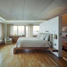 Fantastic closet ideas behind the bed http://comoorganizarlacasa.com/en/fantastic-closet-ideas-behind-bed/ #Closet Closetideas #closets #Decor #Decoration #Decorationtips #Fantasticclosetideasbehindthebed #homedecor #ideasforcloset