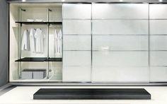 Venez découvrir les différents modèles de portes de placard en verres laqués made in Rangeocean. Conception et fabrication sur mesure, pose sur le 44, 49 et 85.