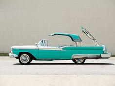 1959 Ford Fairlane 500 Skyliner