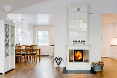 Only white incredible fireplaces in interior. Stone, brick, marble - only 💥beautiful photos of fireplaces on the site White Fireplace, Fireplace Mantles, Fireplace Inserts, Swedish Design, Gabriel, Large Homes, Other Rooms, Living Room Interior, Scandinavian Style