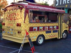 Places I've Eaten: GOLDEN WAFFLE AND CANDYBAR FOOD TRUCKS GETTING OUR JUST DESSERTS