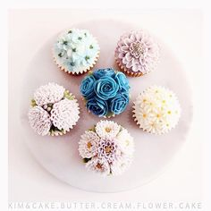 B L U E🦋#bakingclass#buttercream#cake#baking#wiltoncakes#weddingcake#버터크림케이크#wilton#flowers#buttercake#플라워케이크#wedding#버터크림플라워케이크#specialcake#birthdaycake#flower#플라워케익#rose#디저트#케이크#cupcake#dessert#food#beautiful#부케#bouquet#instacake#꽃스타그램#flowercake#peony @yoon2222222