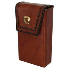Leather Cigarette Case. if i were rich i'd get one for my smoking friends haha