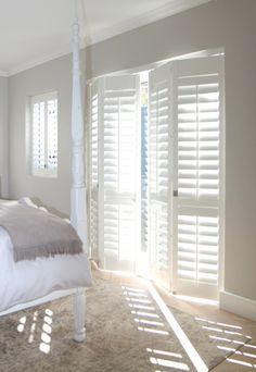 Ideas for house exterior american shutters Interior Doors For Sale, Interior Window Shutters, Wood Shutters, Interior Windows, American Shutters, Interior Desing, Curtains With Blinds, Patio Doors, Balcony Door