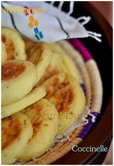 Les saveurs du soleil: Pain marocain cuit à la poêle (Mkhamer)