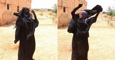 Fotos mostram mulher tirando véu após ser libertada do Estado Islâmico