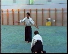 Gyaku Hanmi Shiho Nage from Yasunari Kitaura. You can read a little about the Kitaura Shihan on the site. Aikido Techniques, Martial Arts Techniques, Self Defense Techniques, Aikido Martial Arts, Martial Arts Workout, Martial Arts Training, Self Defense Moves, Self Defense Martial Arts, Chinese Martial Arts