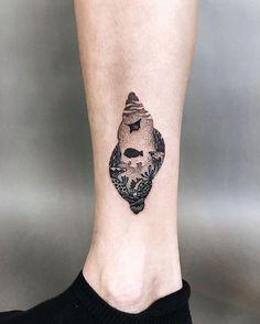 Sea Shell Underwater Dotwork Tattoo by Bob Fizz |Mint Club Tattoo Salzburg & Berlin