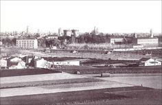Siglo XIX. Al fondo el paseo de la Pechina, el colegio de los Jesuitas y el solar  donde en la actualidad esta el jardín de las Hesperides. En primer plano la huerta de Campanar y el lecho del río