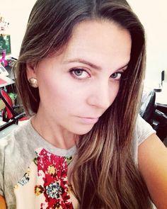 Hermosa nuestra Lili con sus bellos topitos by #Lavativarios #earrings #Lavativarios #LavatiLovers #aretes  #handmade #orafo #orfebresvenezolanos