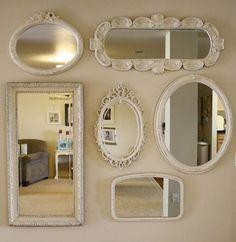 Decoración de interiores con espejos en marcos.