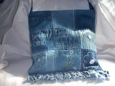 Upcycled Blue Jean Patch Purse by jeanoligy on Etsy Jeans Patch, Patched Jeans, Jean Crafts, Denim Crafts, Jean Rapiécé, Blue Jean Purses, Denim Handbags, Denim Purse, Denim Ideas