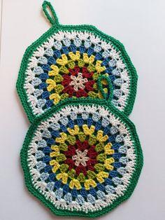 Crochet Potholders, Crochet Granny, Knit Crochet, Crochet Flower Patterns, Crochet Flowers, Crochet Needles, Crochet Kitchen, Hot Pads, Pot Holders
