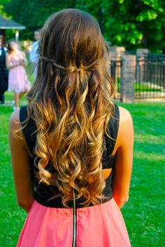 Loose and wavy waterfall braid. Love the ombré!