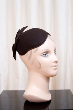 b1fdedbef06 1940 s Hat    Brown Bow Felt Tilt Fascinator by by GarbOhVintage