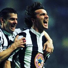 David ginola and rob lee whilst at Newcastle. What players and what a shirt #ginola #davidginola #roblee #nufc #newcastle #newcastleunited #toonarmy #themagpies #retro #retroshirt #retrofootball #adidas #vintage #vintagefootball #90s #90sfootball #90svintage #soccer #soccerjersey #soccerplayer #footballplayer #stjamespark