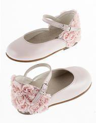 Παπούτσια βαπτιστικά για κορίτσια Flats, Sandals, Girls Shoes, Fashion, Loafers & Slip Ons, Moda, Shoes Sandals, Fashion Styles, Ballerinas