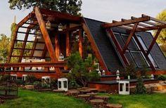 Soleta zeroEnergy, une maison écolo à moins de 50000 euros! prix de l'immobilier est en constante hausse depuis quelques années. Afin de contrer ce phénomène, laFondation roumaine Justin Caprapour les Inventions et Techonologies durables (FITS) a créé laSoleta zeroEnergy, une gamme de maisons modulaires écologiques en bois, à un prix abordable.  En effet, leprix de la Soleta zeroEnergy varie entre 25 000 et 50 000 euros selon le modèle.