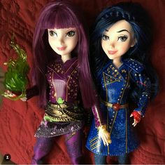 Disney Descendants Dolls, Descendants Characters, Disney Dolls, Barbie Dolls, Dove Cameron Descendants, Daisy Love, Belle Beauty And The Beast, Kids Makeup, Barbie Fashionista