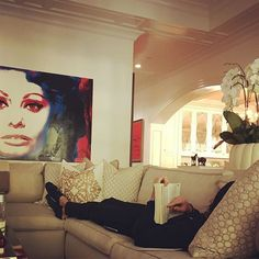 The reading monk Sunday Readings, Pay Attention To Me, Star Wars, Sofia Vergara, Sweet Home, Instagram Posts, Design, Painting, Home Decor