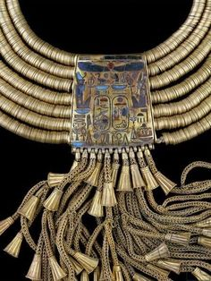 Ancient Egypt - Gold necklace of Psusennes I (detail), Dynasty XXI, 3rd Intermediate period, Tanis