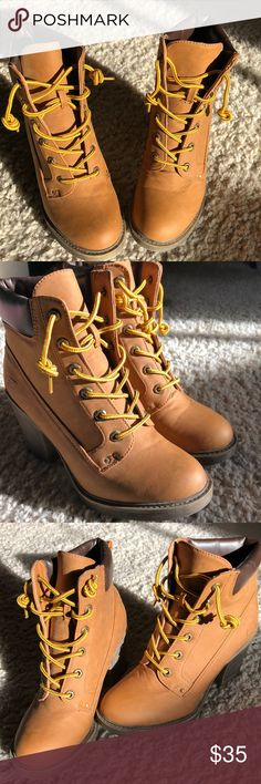 """Chinese Laundry Tan Combat Boots Short Leather Combat Boots  - Color brown/tan  - 2.5"""" heel - Worn 2 times  - Padded backing  - Comfortable walking shoe - No scuffs  - In great condition - Lace up boots Chinese Laundry Shoes Combat & Moto Boots"""