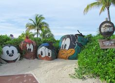 It may not be a national monument, but Mount Rustmore is an iconic destination on Castaway Cay. This is a popular meeting spot and a fabulous photo op. | About.com Family Vacations #DCLphotos #disneycruise #dcl