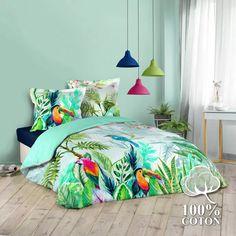 Parure de couette à l univers aquarellée (Multico) - Homemaison : vente en ligne parures de lit Bed Sets, Girls Bedroom, Nars, Bedding Sets, Comforters, Blanket, Prints, Furniture, Color
