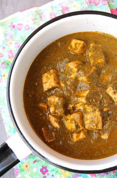 Palak tofu is a vegan spin on a classic vegetarian Indian dish 'palak paneer'! It's weeknight friendly, one one pot, and comes together in less than an hour.