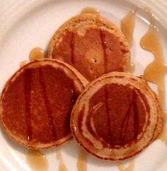 Skinny Pancakes - Heidi Powell 2 egg whites 1/2 cup uncooked gluten-free oats 1/2 banana 1/2 tsp vanilla extract A dash of cinnamon