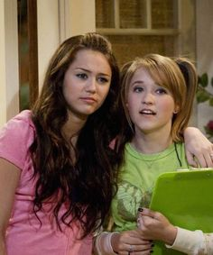 Hannah Montana star posts hilarious #TBT Instagram