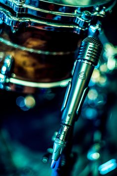 The MTP 440 DM performs excellently on stage as a dynamic instrument or percussion mic. Great for live snare sound in concerts, no matter the size of your live stage. Standing Ovation, Mic Drop, Percussion, Diecast, Stage, Live, Drum Sets, Scene, Percussion Instrument