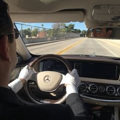 Relax! Don't do it! Let the driver do the 'work'. Driving in style in the all new Mercedes-Maybach S 600! Photo shot from the backseat (obviously) by (hopefully) relaxed @jensstratmann.  Do also follow @der_landgraf @log42 @habegger @driversclubgermany for more shots.  #Pressdrive #S600 #Maybach #MBCar #MBCars #MercedesBenz #MBUSA #VisitCalifornia #driveinstyle #MercedesMaybach