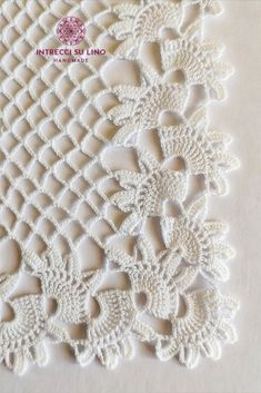 Crochet Borders, Crochet Flower Patterns, Doily Patterns, Crochet Flowers, Crochet Curtains, Crochet Doilies, Baby Witch, Diy Cleaning Products, Christmas Decorations